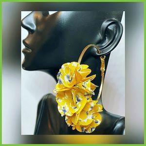 🏷 🆕 Noir Yellow Floral Hoop Earrings